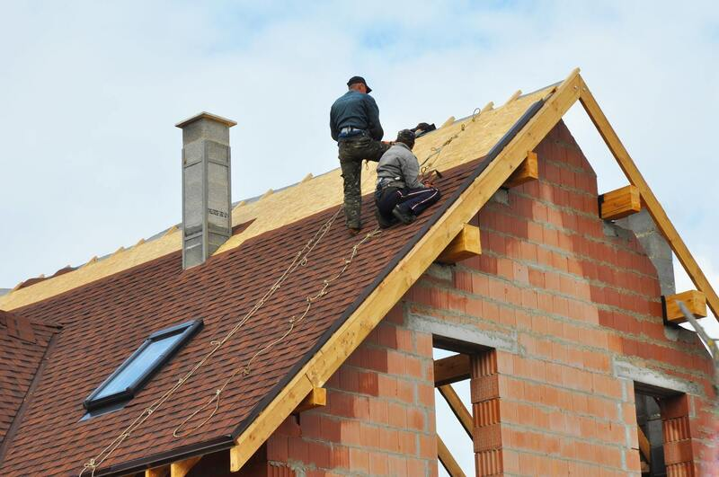 roofers working in Bay City